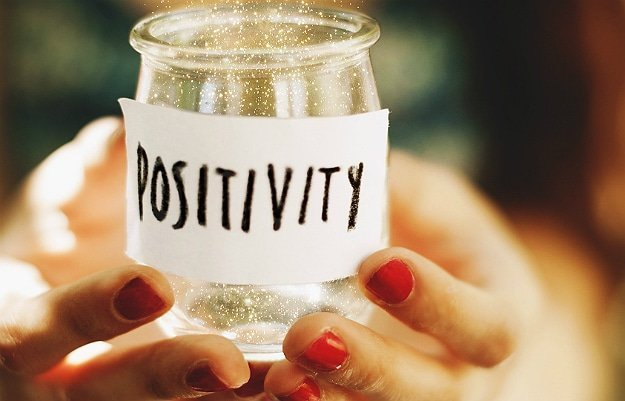 9-ways-to-stay-positive-header